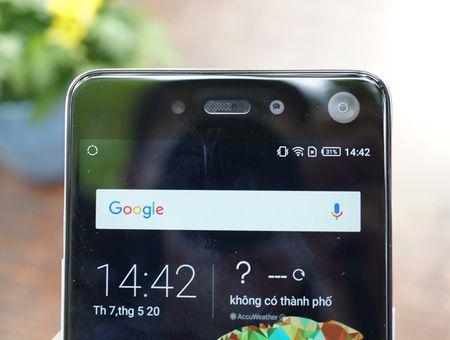 Infinix trinh lang mau smartphone S2 dung camera kep phia truoc - Anh 1