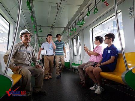 Mo cua tham quan nha ga duong sat tren cao Cat Linh-Ha Dong - Anh 7