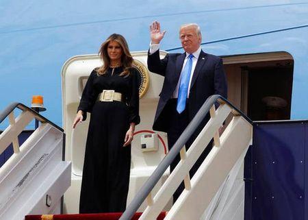 Ong Trump toi Arap Xeut, bat dau chuyen cong du nuoc ngoai dau tien - Anh 1