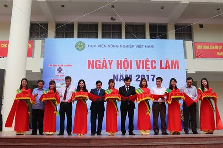 Tung bung Ngay hoi viec lam voi sinh vien nong nghiep - Anh 2