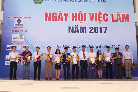 Tung bung Ngay hoi viec lam voi sinh vien nong nghiep - Anh 3