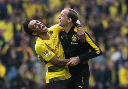 An dinh chien thang cho Dortmund, Aubameyang am luon 'khau phao' ve nha - Anh 9