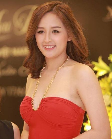Choang vi Mai Phuong Thuy thon tha sexy ngay nao bong dung beo 'la' - Anh 1