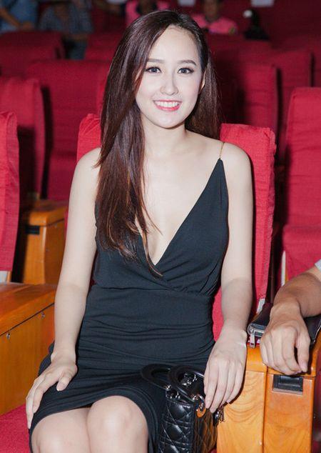 Choang vi Mai Phuong Thuy thon tha sexy ngay nao bong dung beo 'la' - Anh 7