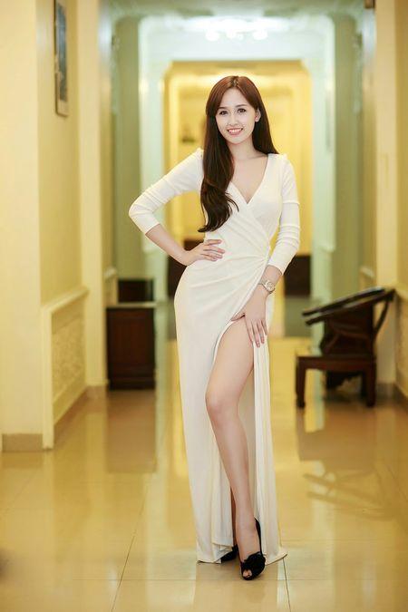 Choang vi Mai Phuong Thuy thon tha sexy ngay nao bong dung beo 'la' - Anh 9