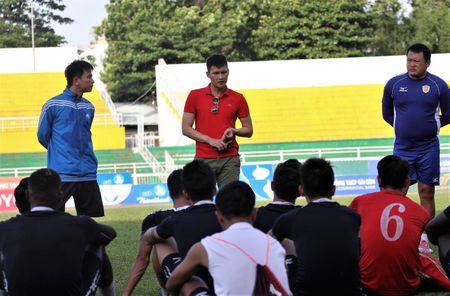 Cong Vinh gui 'toi hau thu' truoc tran gap SLNA - Anh 2