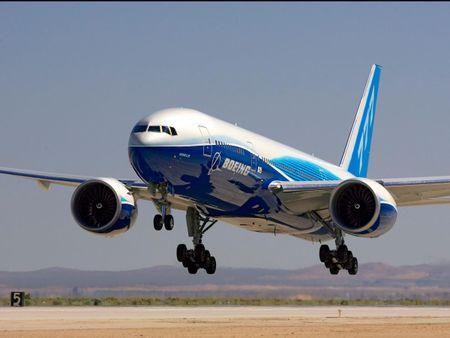 May bay tot nhat the gioi Boeing 777 ra doi nhu the nao? - Anh 1