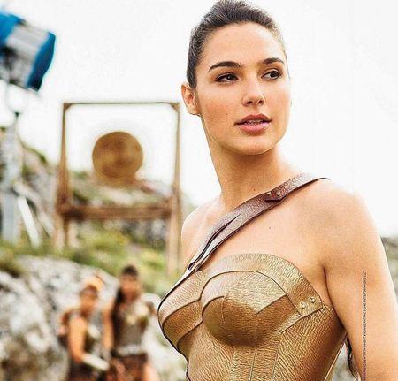 Sao Wonder Woman van quyen ru khi de mat moc - Anh 7