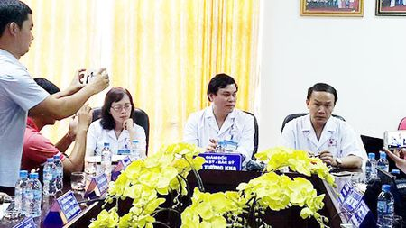 Mot bac si Benh vien The thao Viet Nam bi hanh hung - Anh 1