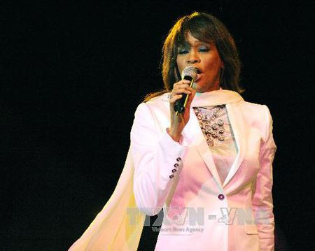 Ra mat phim ve diva bac menh Whitney Houston - Anh 1