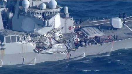 Vu dam tau khu truc USS Fitzgerald: 7 linh thiet mang, co 1 nguoi goc Viet - Anh 1