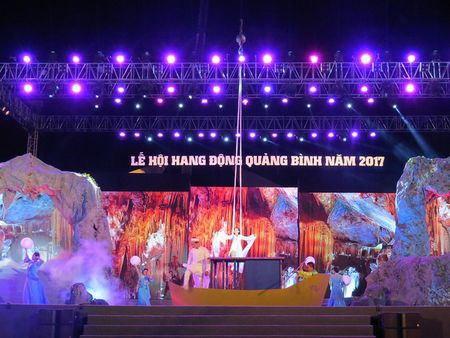 Quang Binh tung bung don nhan ky luc Son Doong tro thanh hang dong tu nhien lon nhat the gioi - Anh 1