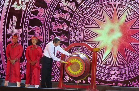 Quang Binh tung bung don nhan ky luc Son Doong tro thanh hang dong tu nhien lon nhat the gioi - Anh 2