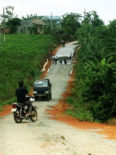 'Hon 40 nam roi Ha Noi van khong quen chung toi' - Anh 2