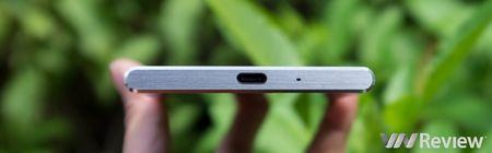 Danh gia Sony Xperia XZ Premium: Co gi ngoai quay phim sieu cham 960fps? - Anh 29