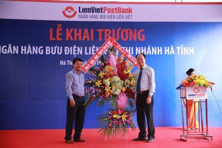 LienVietPostBank chinh thuc hoan thanh muc tieu hien dien tai 63 tinh, thanh Viet Nam - Anh 2