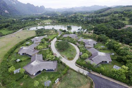 Serena Resort Kim Boi - Noi tro ve cung thien nhien - Anh 1