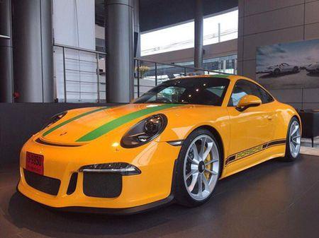 """Phat them"" voi dan xe the thao Porsche 911 R o Thai Lan - Anh 3"