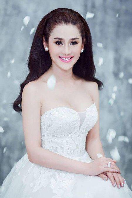 Khong phai ho hang khoe nguc khung, day moi la hinh anh nhan bao like cua Lam Khanh Chi - Anh 1