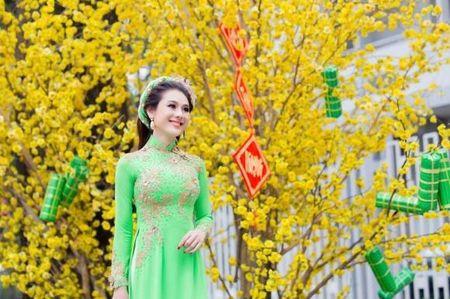Khong phai ho hang khoe nguc khung, day moi la hinh anh nhan bao like cua Lam Khanh Chi - Anh 9