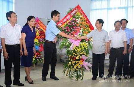 Lanh dao tinh chuc mung Ngay Bao chi cach mang Viet Nam 21/6 - Anh 4