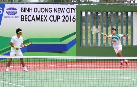 Ly Hoang Nam than toc vao vong 2 don nam giai quan vot nha nghe Thai Lan - Anh 1