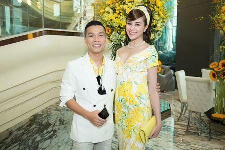 Hoa hau Sella Truong dien dam co dien, do dang ben Ky Duyen, My Linh - Anh 5