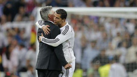 Su that Ronaldo ve MU, Liverpool kich bom tan - Anh 2