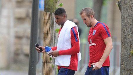 'Harry Kane hon ca Ronaldo, hay gap doi Lukaku' - Anh 2