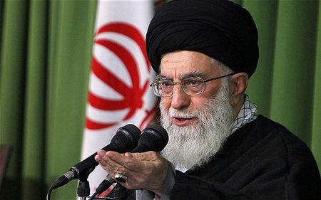 Dai giao chu Iran Khamenei: My va Saudi Arabia ho tro IS - Anh 1