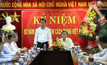 Bi thu Thanh uy Da Nang: VOV la kenh thong tin chuan xac, nhanh nhay - Anh 1