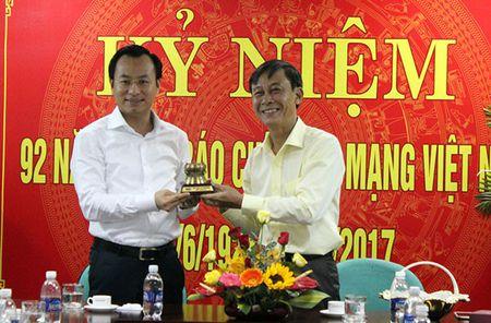 Bi thu Thanh uy Da Nang: VOV la kenh thong tin chuan xac, nhanh nhay - Anh 2