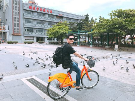 Quang Vinh bat mi thien duong 'song ao' o Dai Loan - Anh 3
