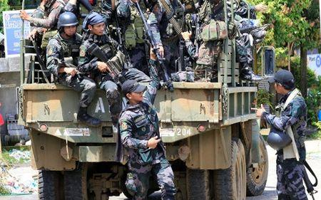 Philippines dinh mua truc thang tan cong, vu khi thong minh cua Nga - Anh 1