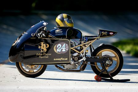 'Chet me' Ducati Monster ban do Meo san chuot - Anh 2