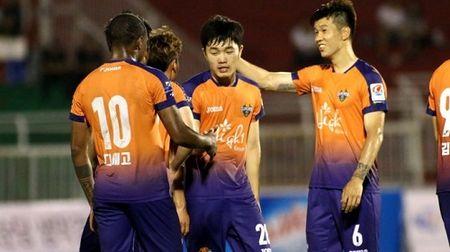 Gangwon FC van dang cho HAGL va Xuan Truong 'leo cay' - Anh 1