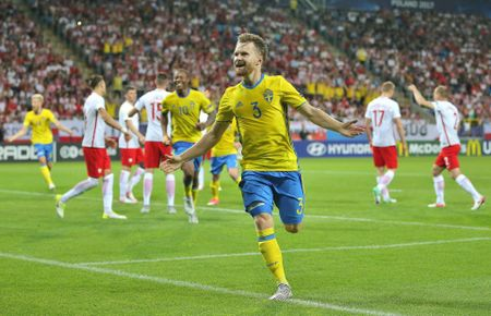 Chum anh: U21 Ba Lan thoat hiem ngoan muc tren cham 11m - Anh 5