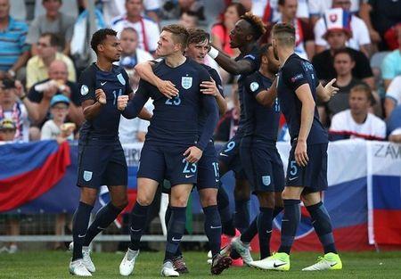 Sao Southampton dua U21 Anh tro ve tu coi chet - Anh 5