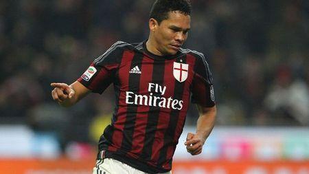 Nham Mbappe, Lacazette nhung Arsenal sap co 'hang thua' cua AC Milan - Anh 1