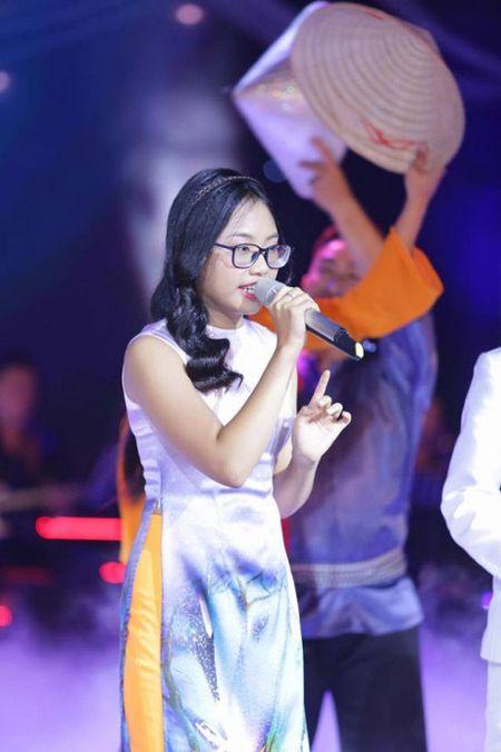 Phuong My Chi, Thien Nhan cung 14 tuoi: Ke bi che chin ep, nguoi duoc khen - Anh 7