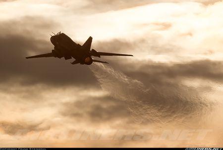 My ban roi may bay Syria: Su-22 chua tung danh thang tren khong - Anh 1