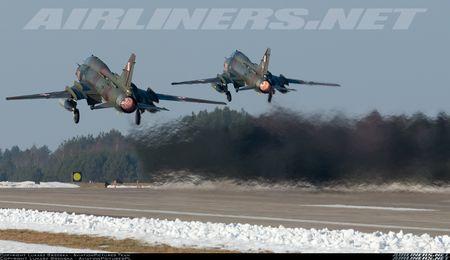 My ban roi may bay Syria: Su-22 chua tung danh thang tren khong - Anh 5