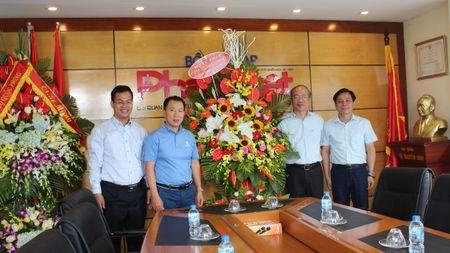 Thu truong Phan Chi Hieu chuc mung Bao Phap luat Viet Nam nhan ngay 21/6 - Anh 1