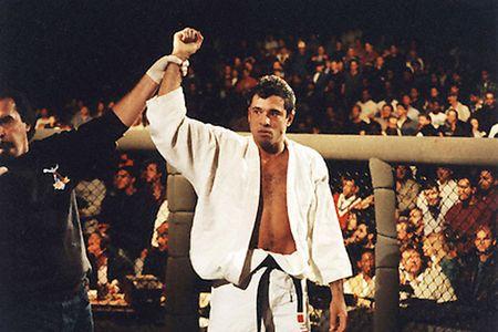 5 cuoc doi dau dang nho giua vo si quyen Anh va MMA - Anh 6