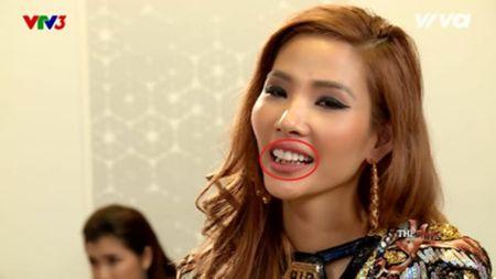Hoang Thuy gay 'bao' The Face vi quen xia rang sau khi an che do den - Anh 1