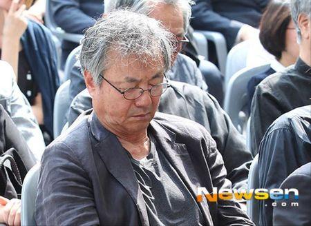 Cac nghe si Han dam le tien dua nu dien vien 'Cong chua ngo ngao' tai tang le - Anh 6