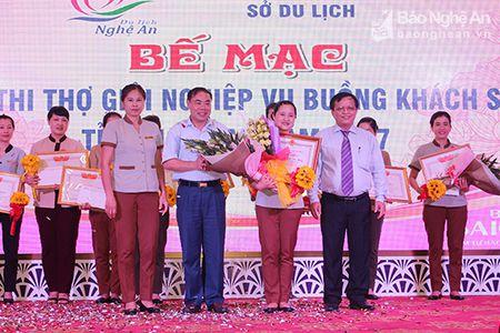 Ton vinh 17 tho gioi nghiep vu buong khach san nam 2017 - Anh 2