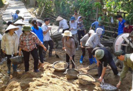 LDLD huyen Ba Be (tinh Bac Kan): Phoi hop cai thien giao thong nong thon - Anh 1