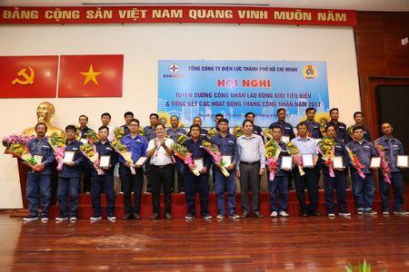 Cong doan EVNHCMC: Tuyen duong 75 CNVCLD gioi - Anh 1