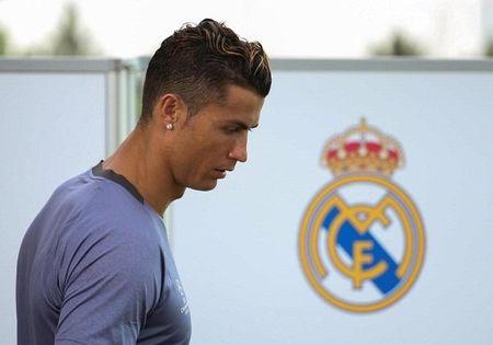 'Bo gia' Perez: Ronaldo muon den MU, cu viec - Anh 2